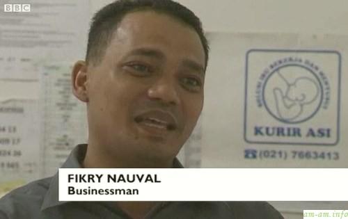 Фикри Науваль начинал с доставки документов и тортов - теперь доставляет грудное молоко