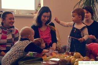 Дети за столом - Мамин клуб в Минске
