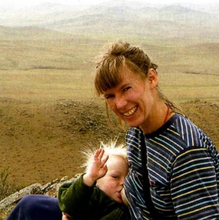 Рут Камницер приехала в Монголию с младенцем на руках